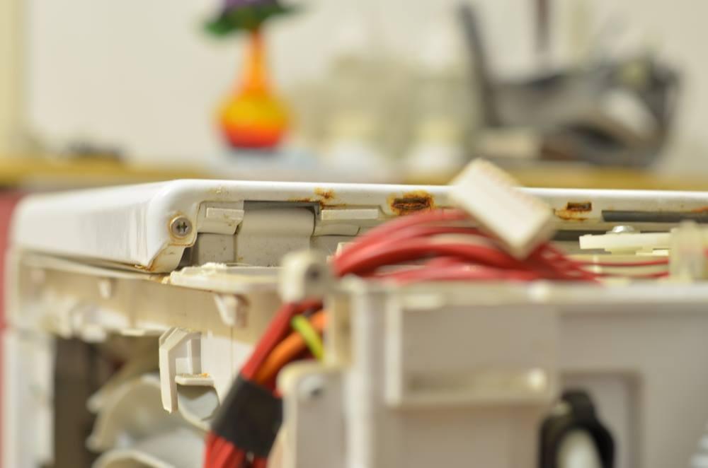 Ako vymeniť plech, dvere na práčke Whirlpool